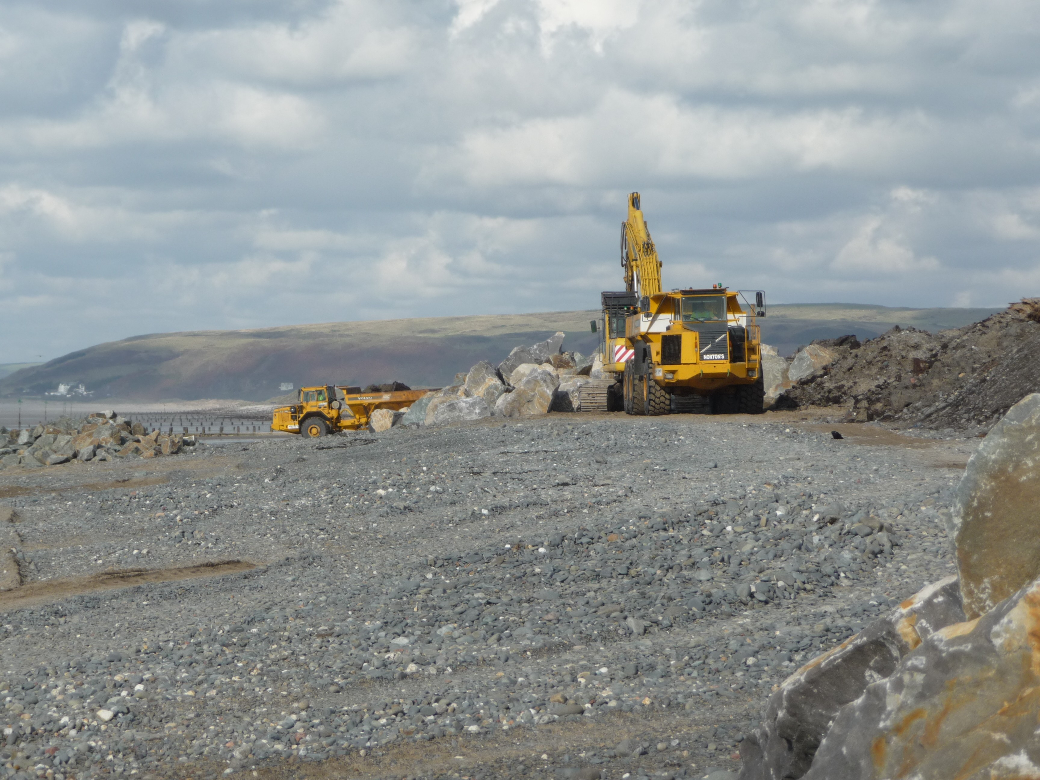 borth coastal defences Borth coastal defence scheme - phase 2 environmental statement - non technical summary  cyngor ceredigion council  7 may 2013.